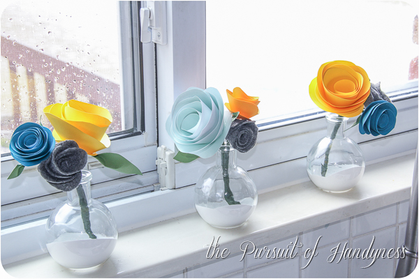 Mini Flower Bouquets Bring Life To The Kitchen